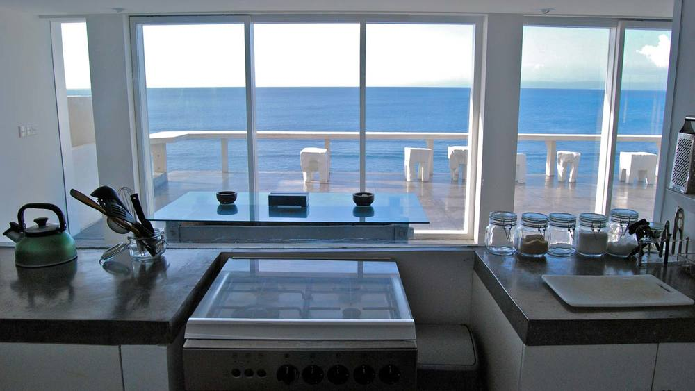 Bingin-Kitchen-beach-front.jpg