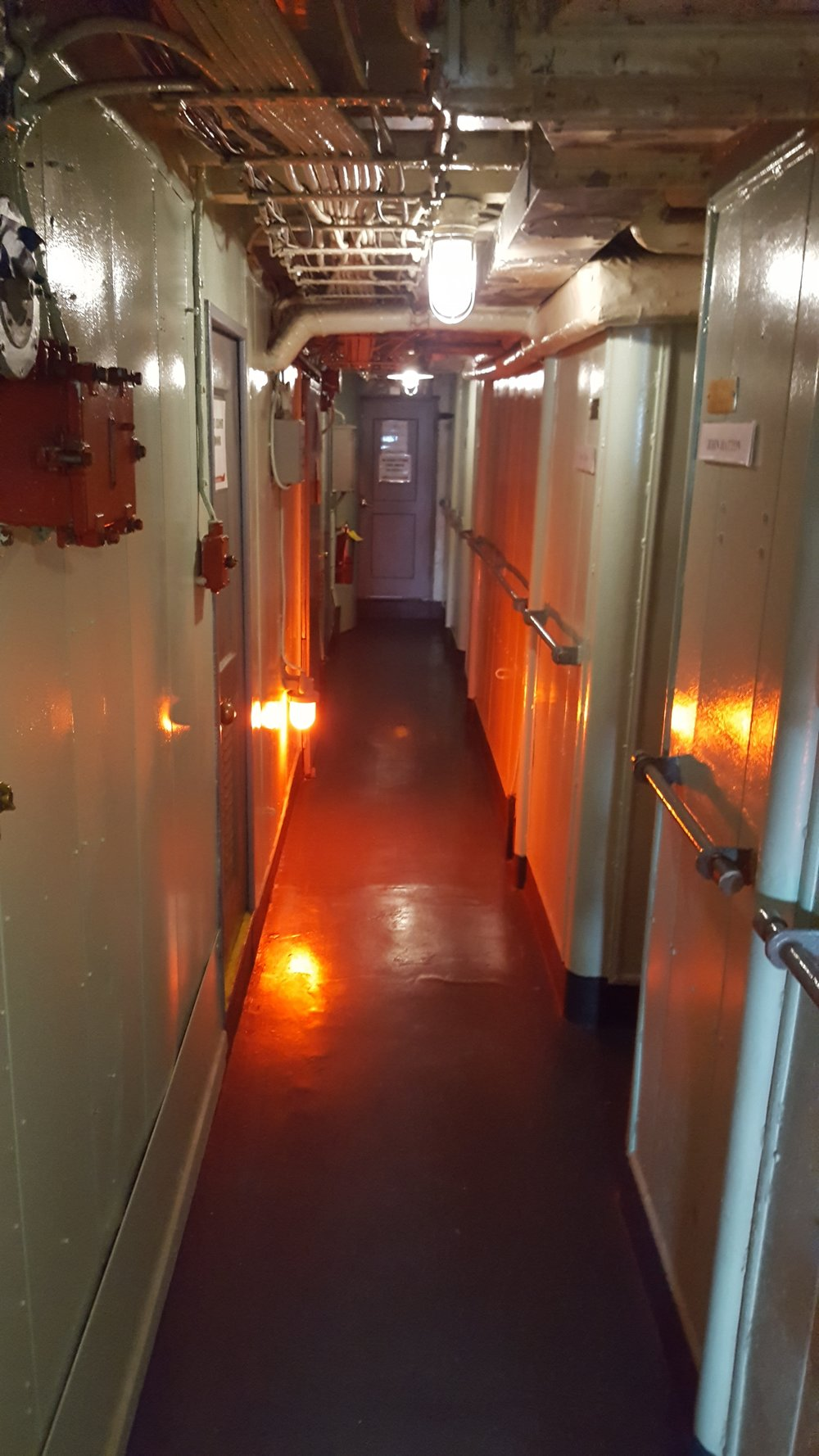 One of the hallways in the officer cabin area. These cabins are located in the superstructure of the ship. Photo source: author.
