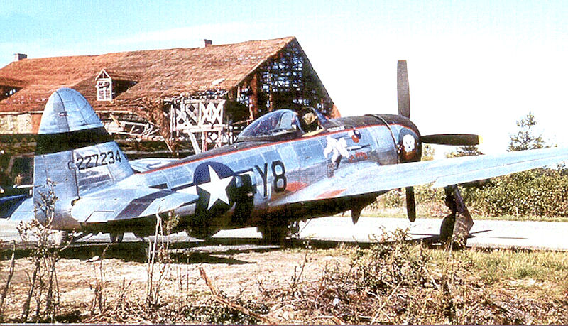 A P-47D with the 507th Fighter-Bomber Squadron in Germany in April 1945. This unit participated in the European Campaign with the IX TAC, providing close air support to General Omar Bradley's forces. Photo source: Wikipedia.