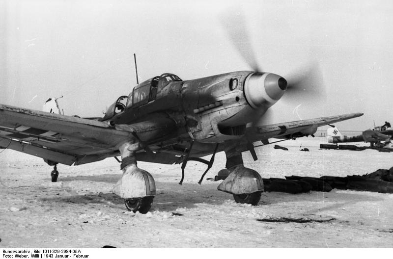 Another heavily-used Ju-87D taxies back after landing following a mission. Photo source: Bundesarchiv.
