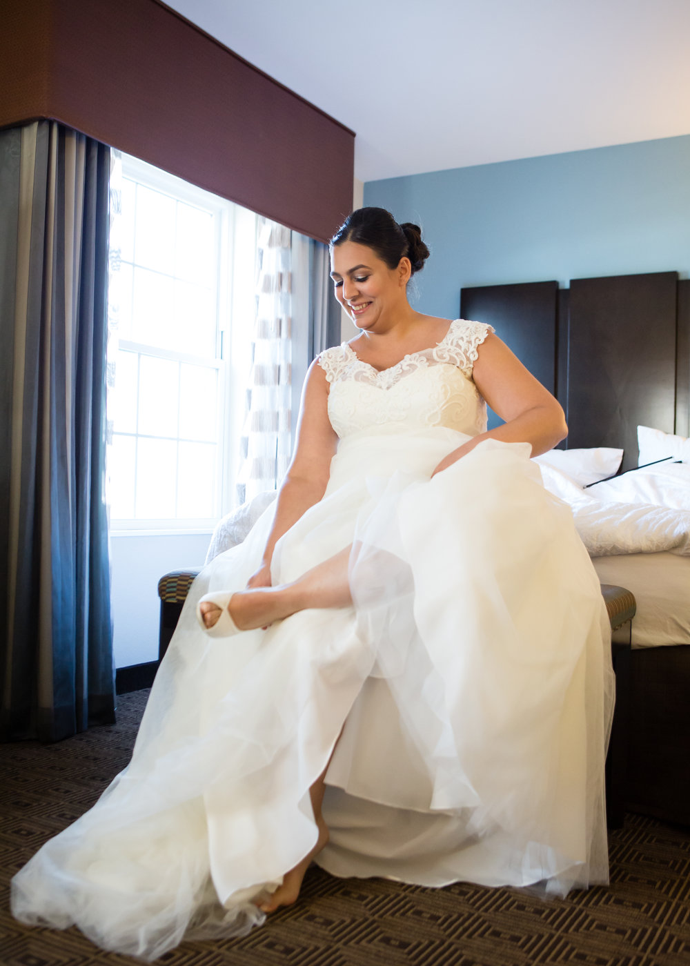 Bride puts on shoes - New Rochelle wedding - New York wedding - Hudson Valley wedding - Heather & Ian's wedding - Amy Sims Photography