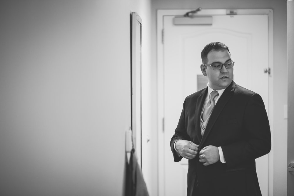 Groom gets ready in hotel room - New Rochelle wedding - New York wedding - Hudson Valley wedding - Heather & Ian's wedding - Amy Sims Photography