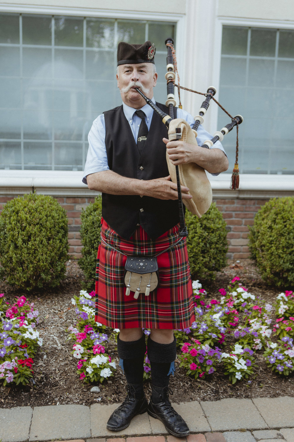 Bagpiper plays at cocktail hour - Estate at Florentine Gardens wedding - Hudson Valley Wedding - Kelsey & Anish's wedding - Amy Sims Photography