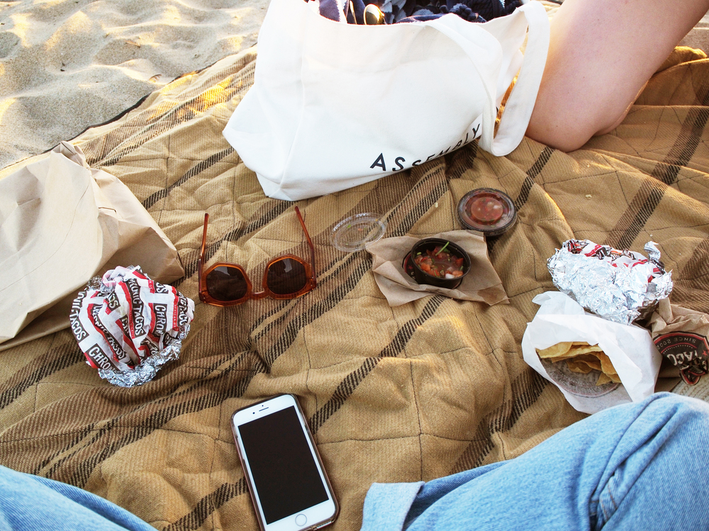 Summer Whites Zady Sweater Cocodune One Piece Vintage Levi's Madewell Warren Sandals x Taylr Anne www.taylranne.com