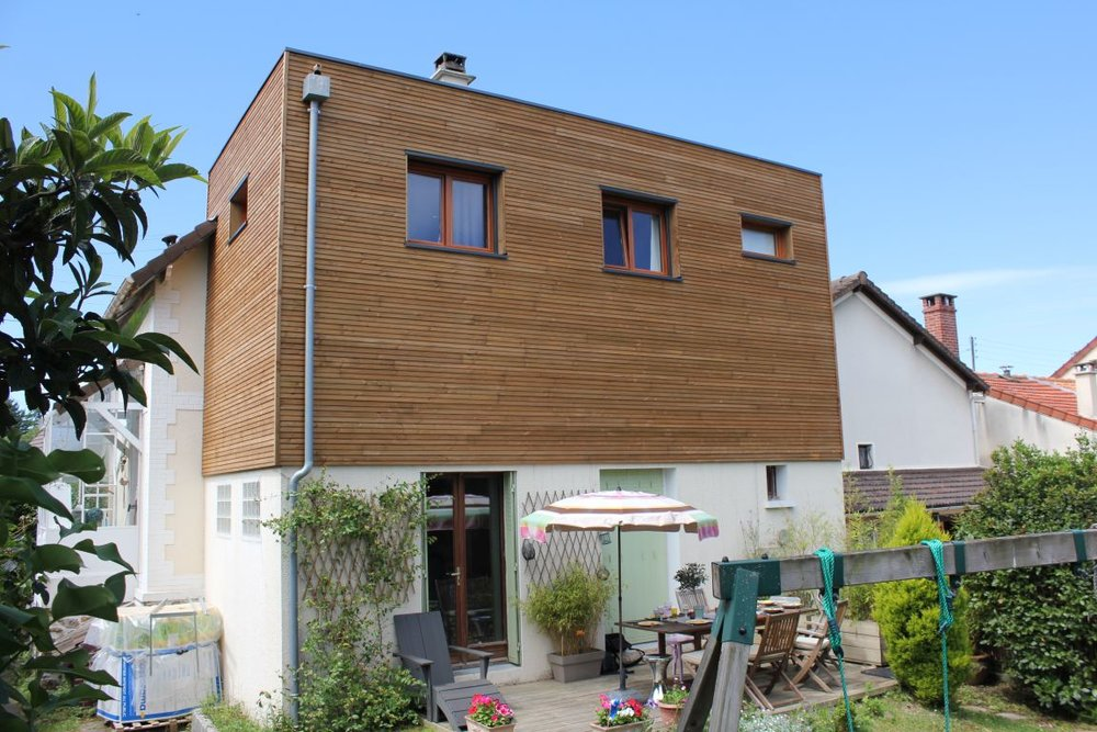 01_facade est angle.JPG