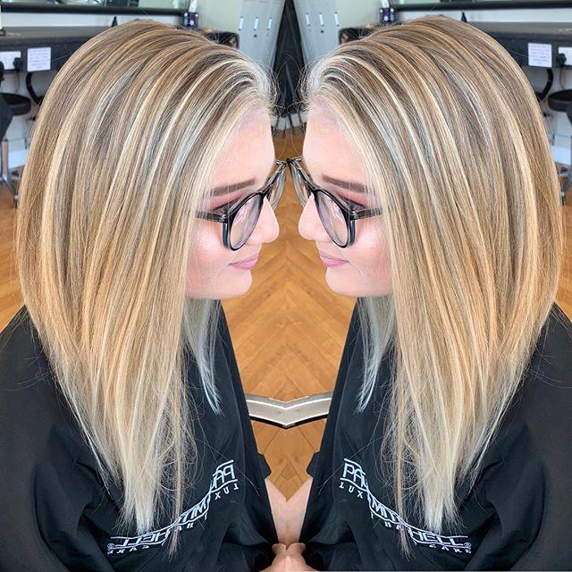 Katie is rocking some serious hair goals! 🙌🏽 colour by our designer stylist Aleena (whoopsie delivery boxes in the background #allwayscheckthebackground 📦) #bizzaz #hair #bizzazhair #exeter #devon #veganhaircolour #pm #paulmitchell #nofilterneeded #hairgoals