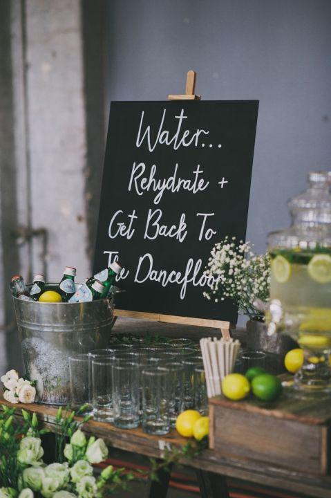 36727ea32593cdc46e2c0ea1f53b5a5e--drink-station-wedding-wedding-drinks-reception.jpg