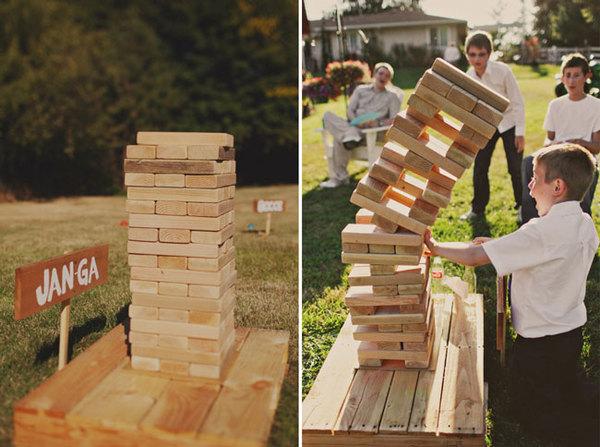 giant-jenga-wedding-yard-game-amanda-k-photography.jpg