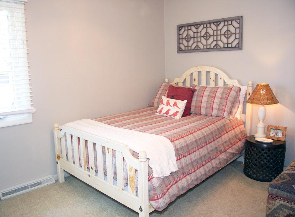 bed2_2.jpg