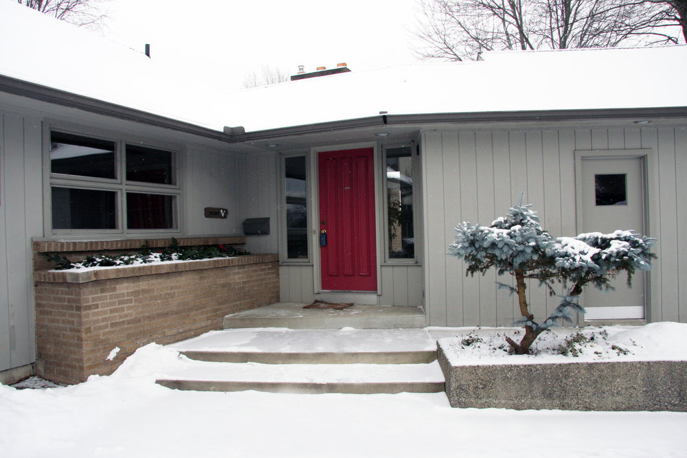 2339 Oakwood SE - Stunning mid-century in the heart of EGR