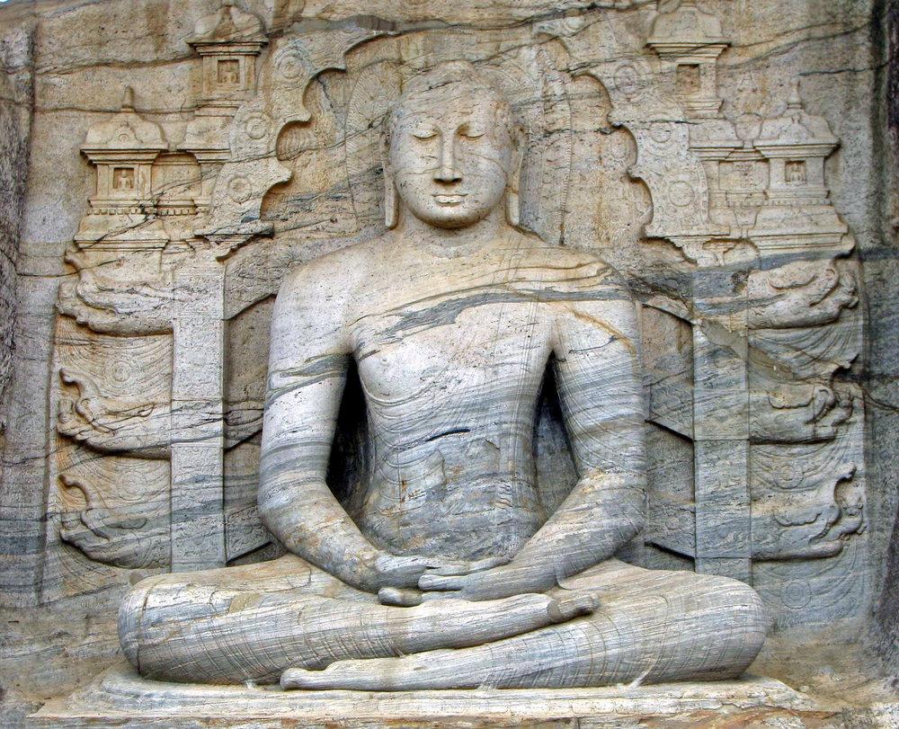 Seated Buddha, Gal Viharaya.Polonnawura, Sri Lanka. Photo by Bernard Gagnon, Wiki Commons.