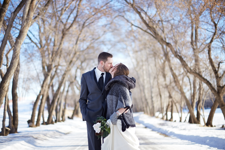 edmonton-winter-wedding-couple.jpeg