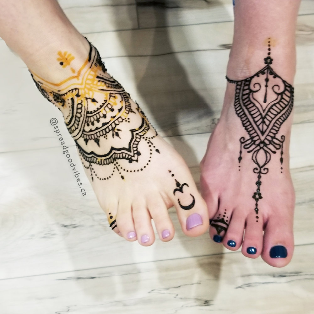 GV_IG_HennaAtYogaVine_Feet.jpg