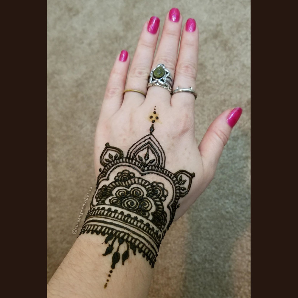 GV_IG_HennaTopHand&Wrist_FirstAttempt_TaggedForWebsite.jpg