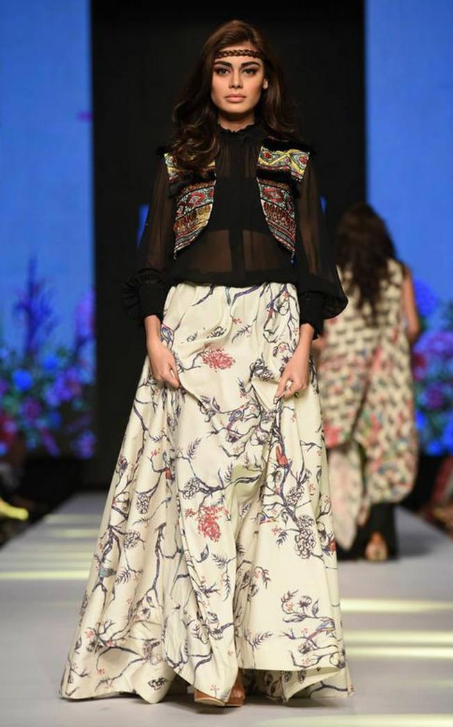 Zara Shahjehan 4.jpg