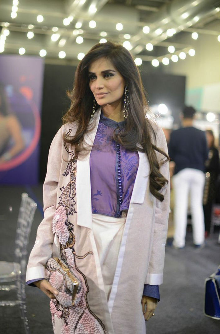 Backstage at PFDC Sunsilk Fashion Week 2015 7.jpg