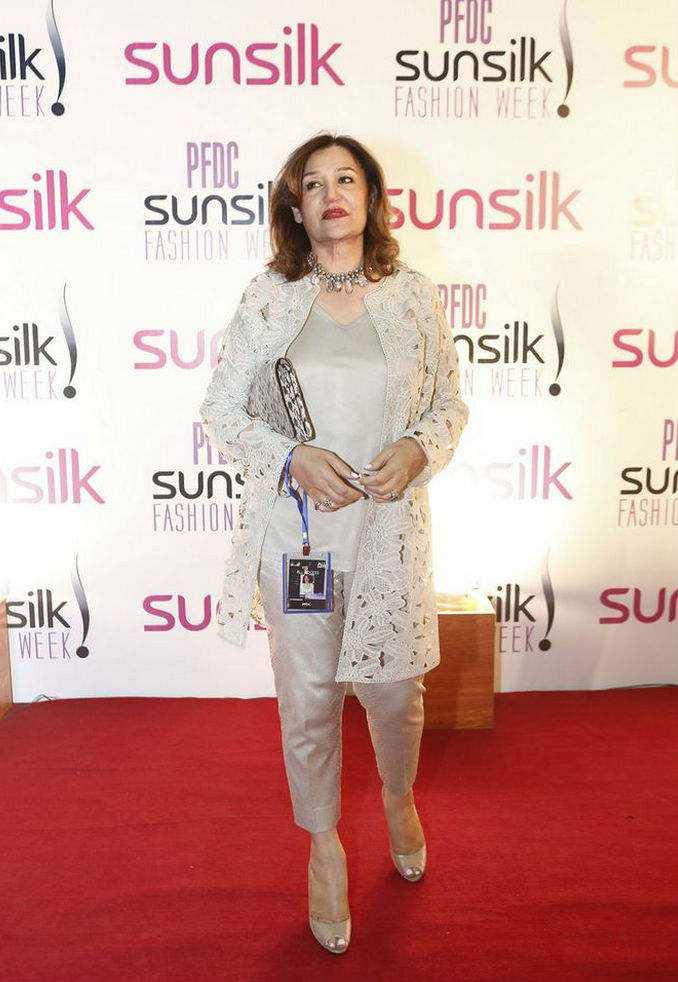 PFDC Sunsilk Fashion Show 2015 7.jpg
