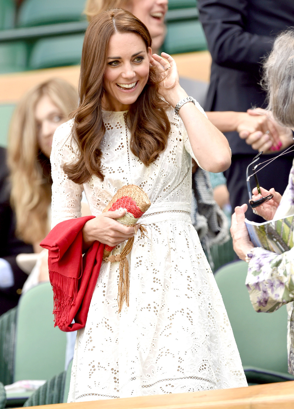 1404310125_kate-middleton-wimbledon-zoom.jpg