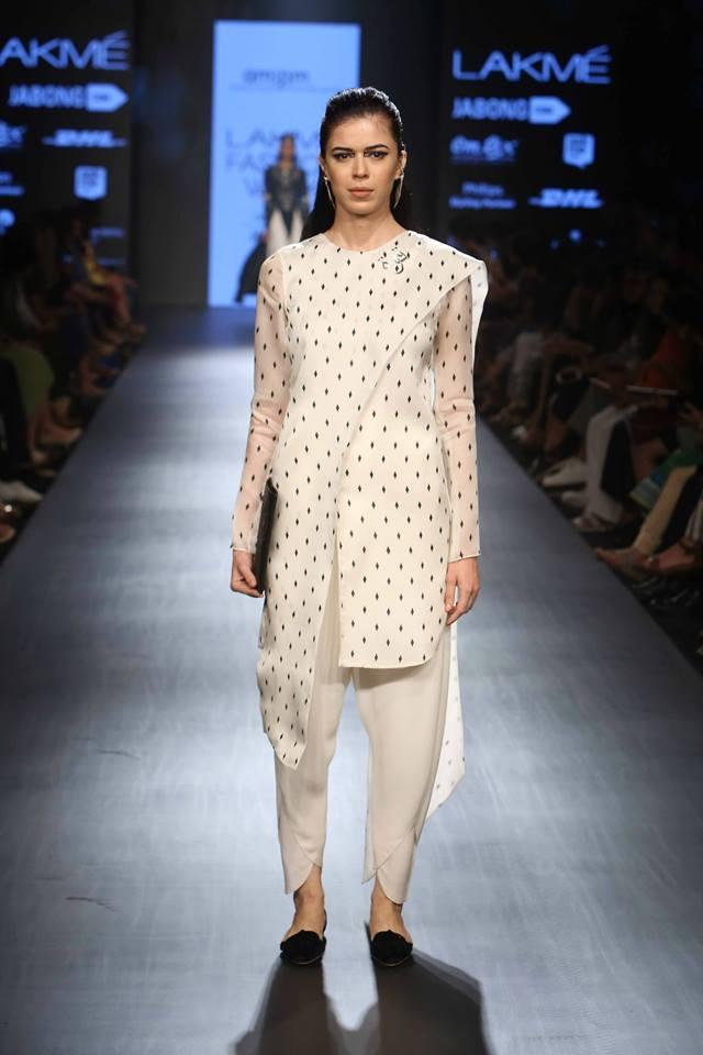 Ankur & Priyanka Modi 2.jpg