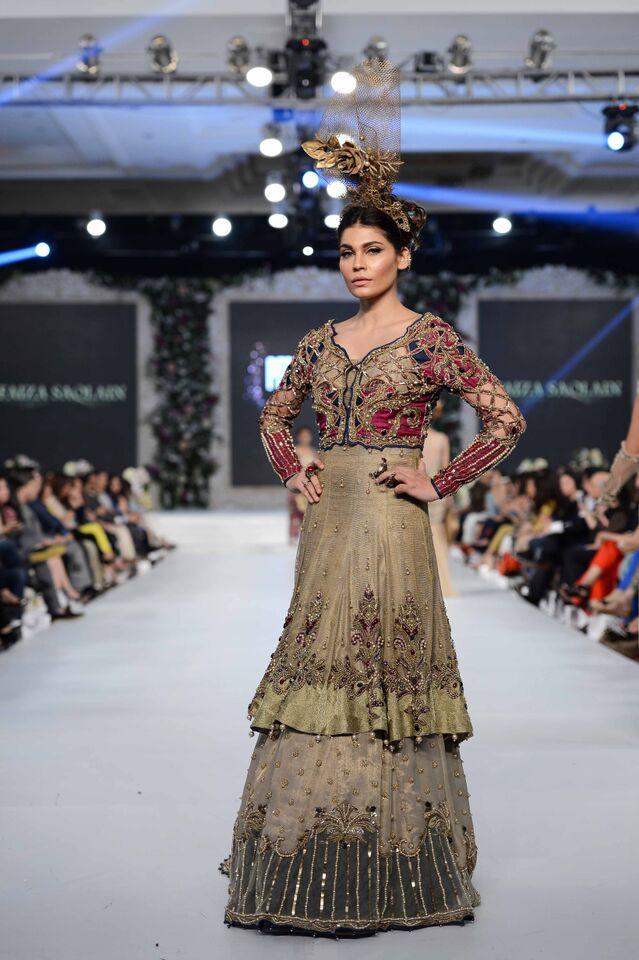 Faiza Saqlain 4.jpeg