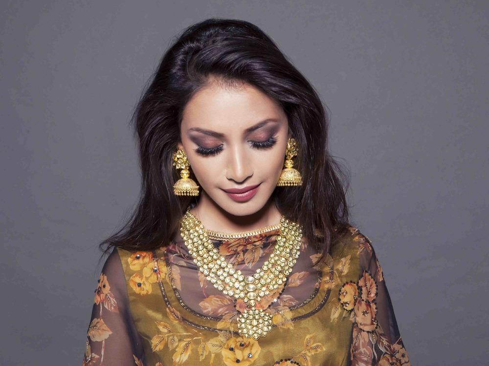 White Mughals 7.jpg