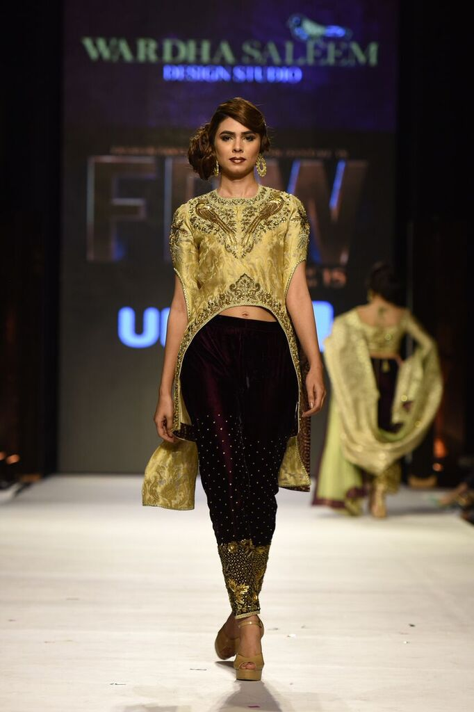 Wardha Saleem Fashion Week Pakistan Karachi 2015 FPW15 4.jpeg