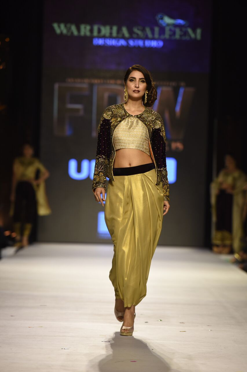 Wardha Saleem Fashion Week Pakistan Karachi 2015 FPW15.jpeg