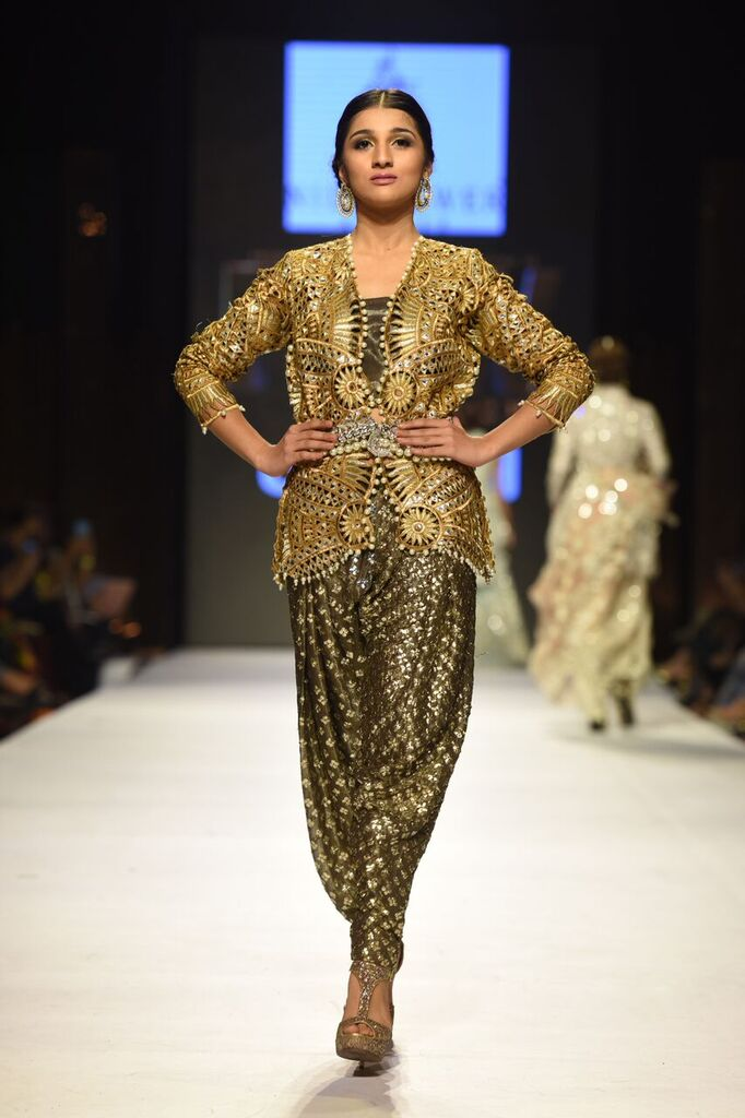 Nida Azwer Fashion Week Pakistan Karachi 2015 FPW15 8.jpeg