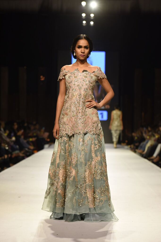 Nida Azwer Fashion Week Pakistan Karachi 2015 FPW15 10.jpeg