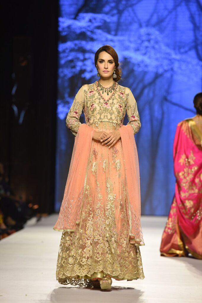Deepak Perwani Fashion Week Pakistan Karachi 2015 FPW15 3.jpeg