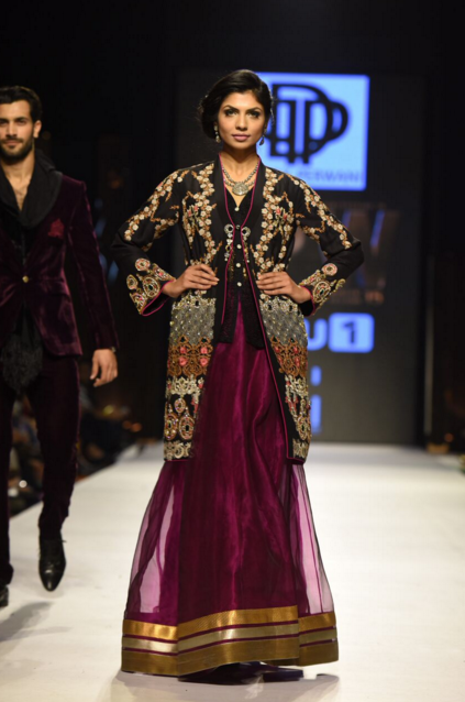 Deepak Perwani Fashion Week Pakistan Karachi 2015 FPW15 4.png