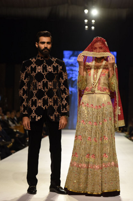 Deepak Perwani Fashion Week Pakistan Karachi 2015 FPW15 8.png