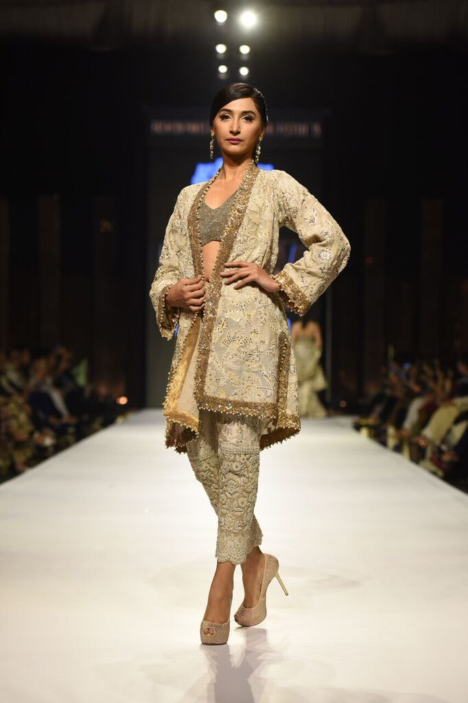 Umer Sayeed Fashion Week Pakistan Karachi 2015 FPW15 4.jpeg