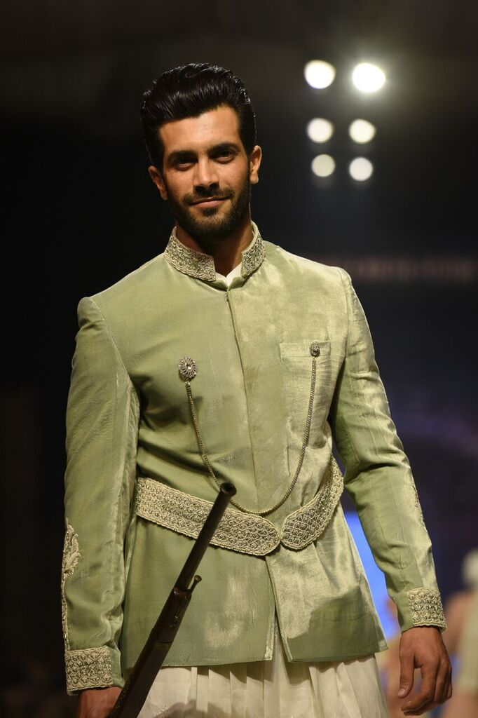 Nauman Arfeen Fashion Week Pakistan Karachi 2015 FPW15 10.jpeg