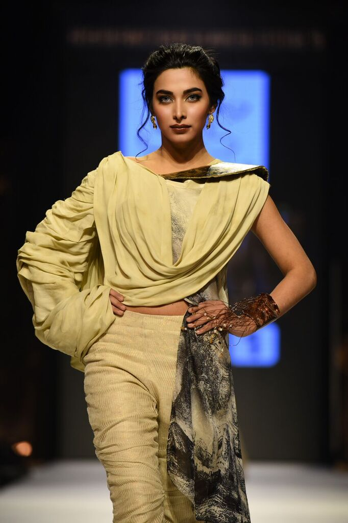 Nilofer Shahid Fashion Week Pakistan Karachi 2015 FPW15 3.jpeg