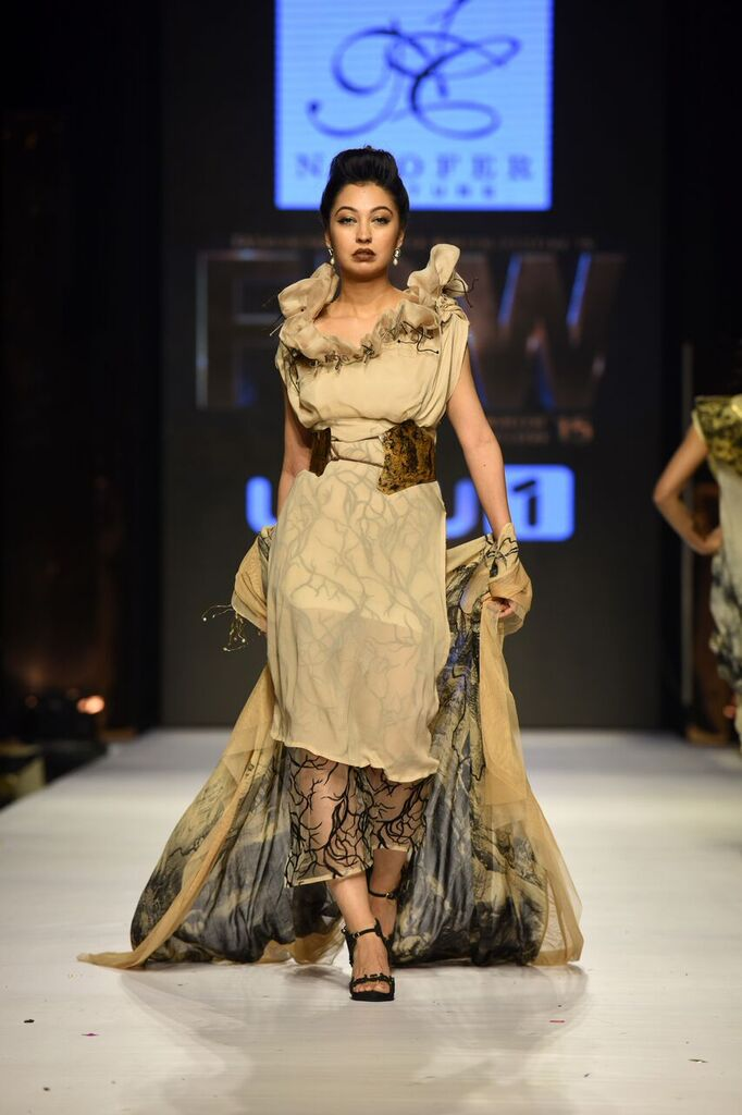 Nilofer Shahid Fashion Week Pakistan Karachi 2015 FPW15 4.jpeg
