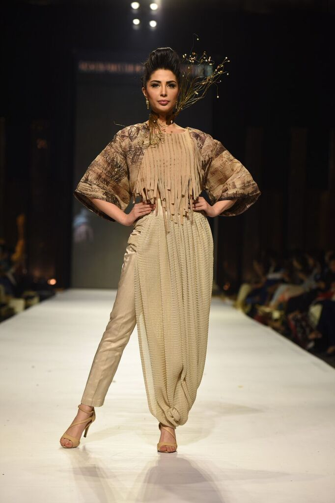 Nilofer Shahid Fashion Week Pakistan Karachi 2015 FPW15 5.jpeg