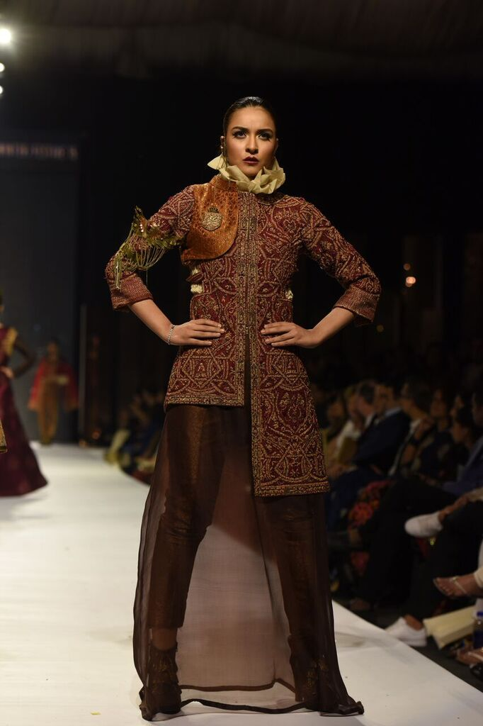 Nilofer Shahid Fashion Week Pakistan Karachi 2015 FPW15 13.jpeg