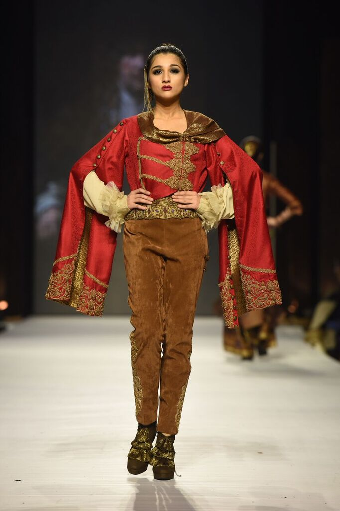 Nilofer Shahid Fashion Week Pakistan Karachi 2015 FPW15 14.jpeg