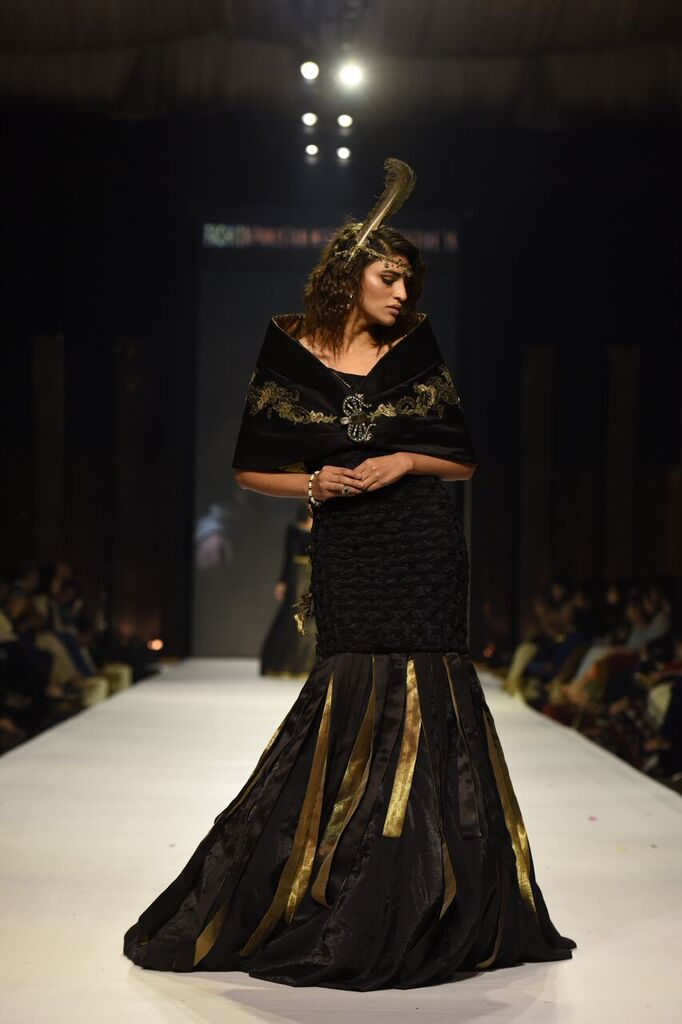 Nilofer Shahid Fashion Week Pakistan Karachi 2015 FPW15 15.jpeg