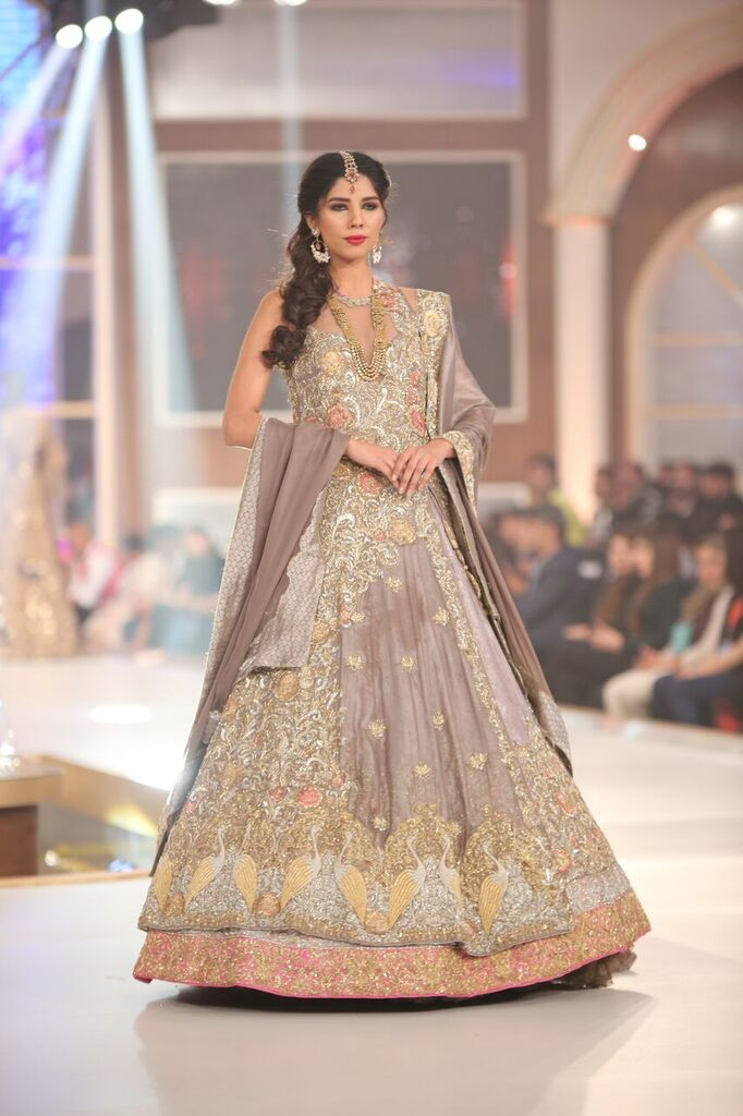 Honey Waqar Telenor Bridal Couture Week 2015 4.jpeg