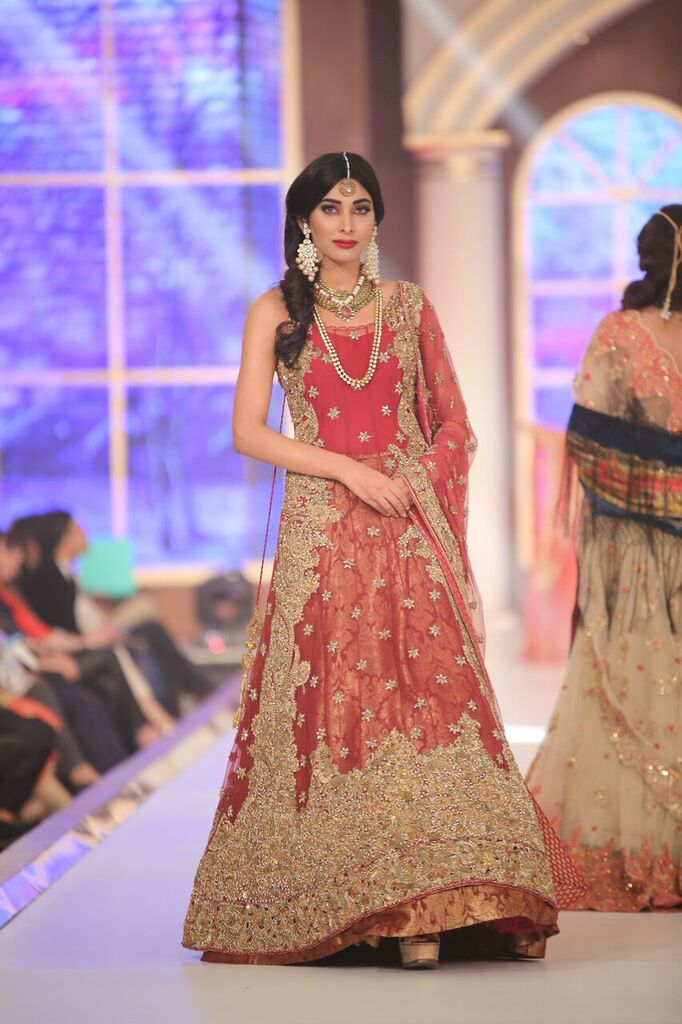 Honey Waqar Telenor Bridal Couture Week 2015.jpeg