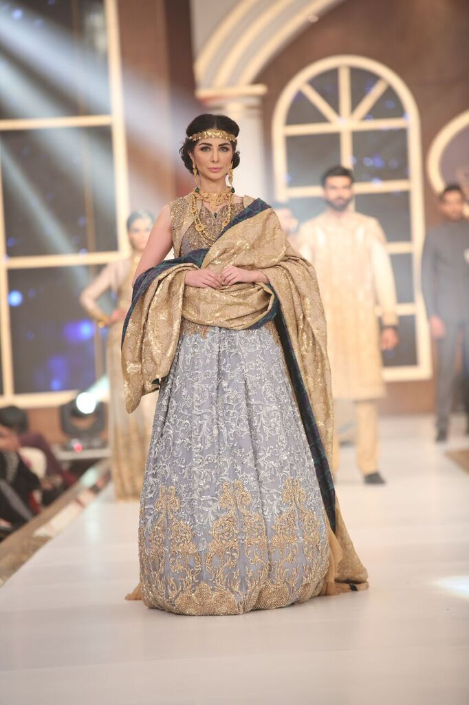 HSY Telenor Bridal Couture Week 2015 2.jpeg