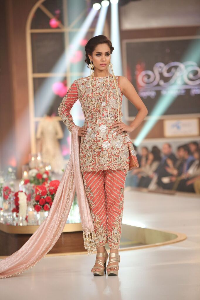 Sara Rohail Asghar Telenor Bridal Couture Week 2015 3.jpeg
