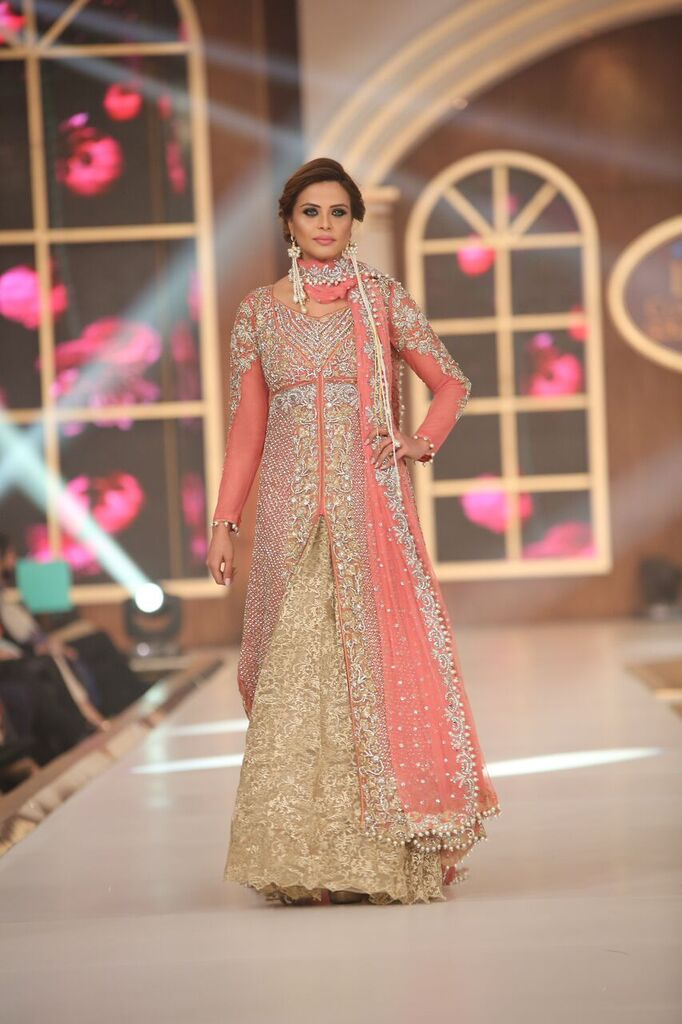 Sara Rohail Asghar Telenor Bridal Couture Week 2015 5.jpeg