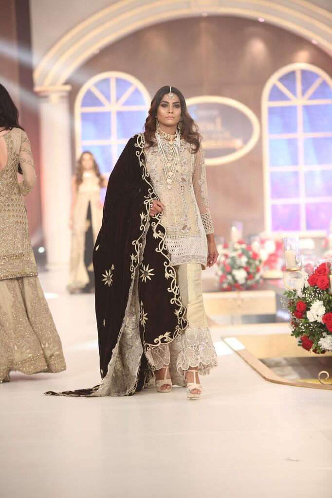 Shazia Kiyani Telenor Bridal Couture Week 2015 4.jpeg