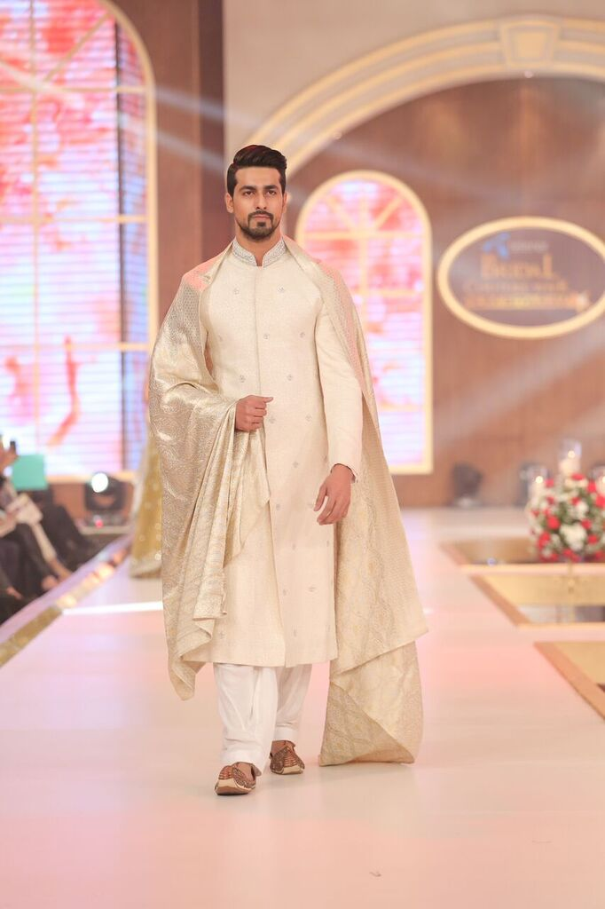 Zaheer Abbas Telenor Bridal Couture Week 2015 4.jpeg