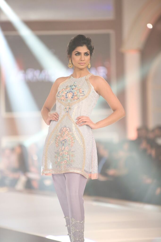 Zarmisha Dar Telenor Bridal Couture Week 2015 3.jpeg