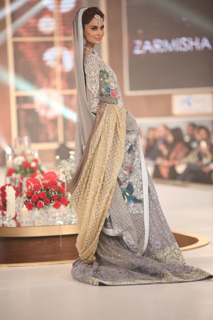 Zarmisha Dar Telenor Bridal Couture Week 2015 4.jpeg