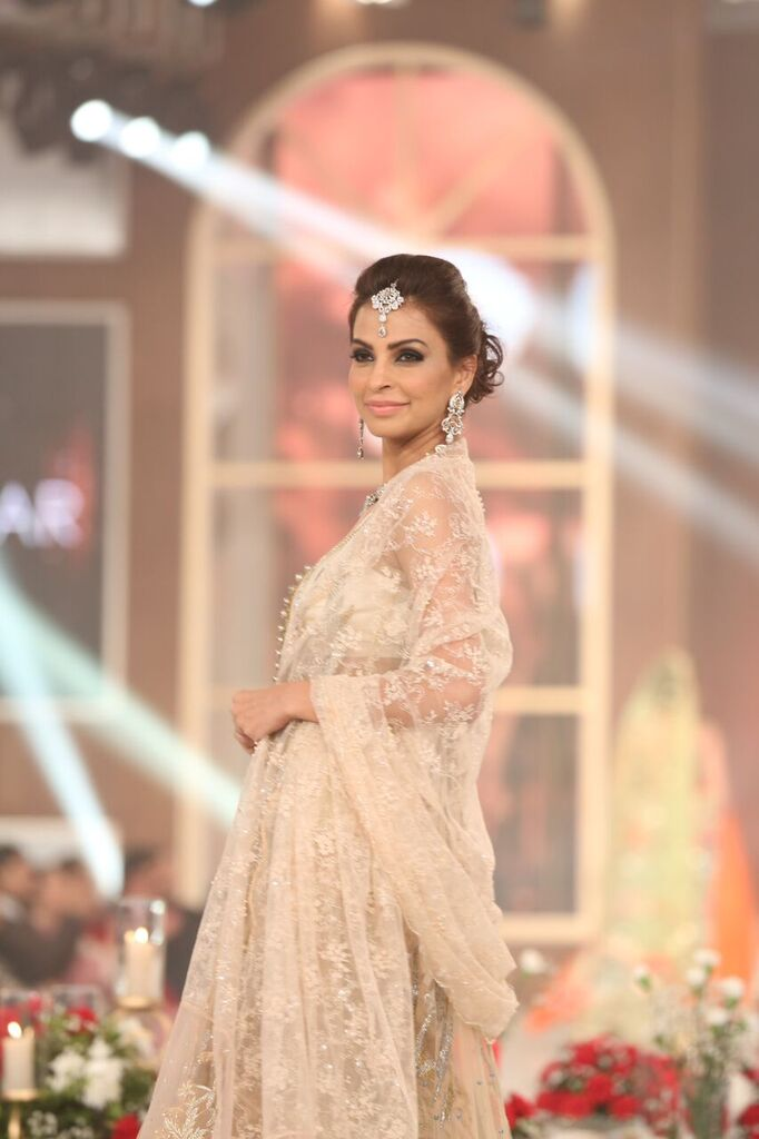 Zarmisha Dar Telenor Bridal Couture Week 2015 5.jpeg